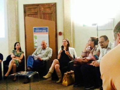 Chiara Gentile presenta per Vismederi le - Scienze della vita - all'-Aperitivo con le imprese- dell'Università di Siena